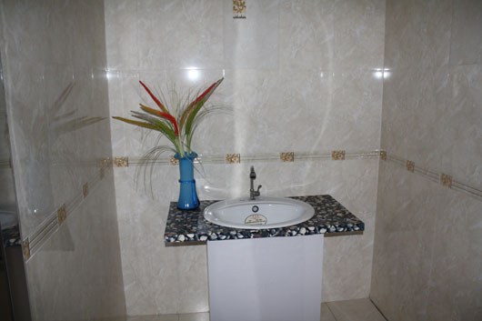 魔方陶瓷户内浴室案例二